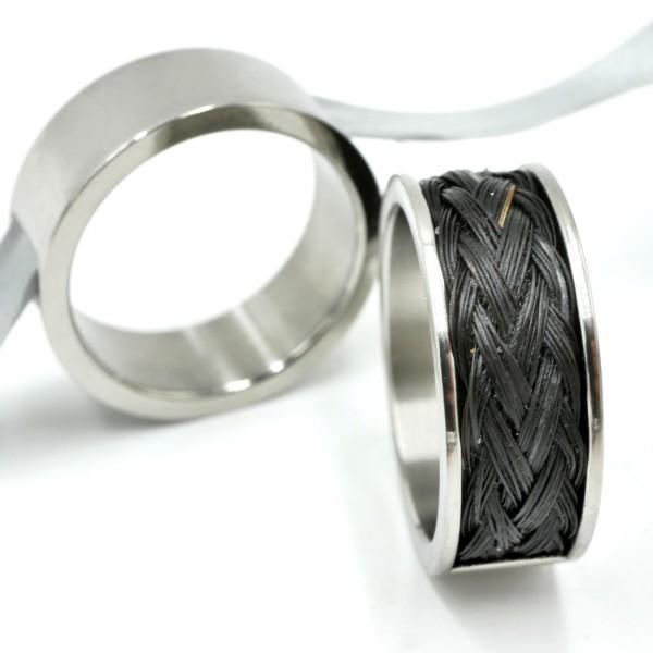 Edelstahl Ring mit Nut zum Einlegen von Pferdehaar , Pferdehharschmuck